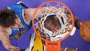 New Orleans Hornets centre Aaron Gray has signed with the Toronto Raptors. In this file photo, Los Angeles Lakers guard Kobe Bryant, right, puts up a shot as Gray defends during the first half of an NBA playoff basketball game, Sunday, April 17, 2011, in Los Angeles. (AP Photo/Mark J. Terrill)