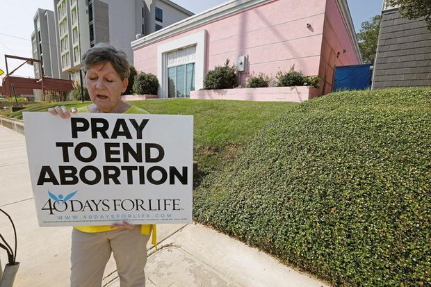 Mississippi 15-week abortion ban is blocked by appeals court