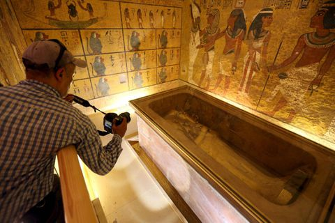 Egypt says 90% chance new probe will find hidden chambers in King Tut's tomb