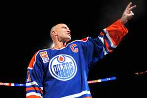 Mark Messier, seen in this 2007 photo when honoured by the Edmonton Oilers, is about to be named general manager of the Canadian team for the 2010 world hockey championship.