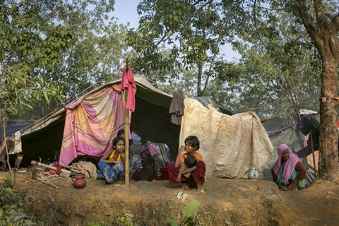 Myanmar to resettle 6000 Rohingya refugees