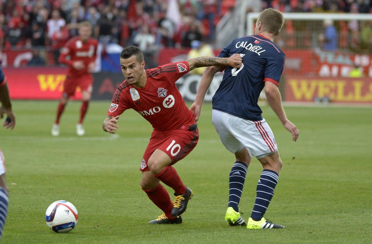 TFC s Sebastian Giovinco takes notes from World Cup legend Paolo