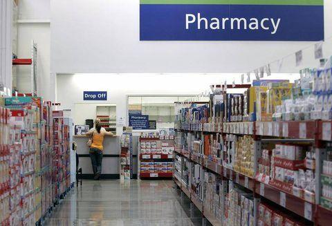Drug sales reps often skip the side effects, doctor survey finds