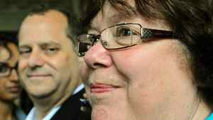 With Brian Topp looking on, deputy NDP leader Libby Davies announces her endorsement of the party president's bid for the leadership in Ottawa on Sept. 30, 2011.