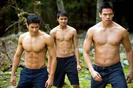 Chaske Spencer (right) appears in The Twilight Saga: New Moon alongside Alex Meraz (left) and Kiowa Gordon: The muscle confusion workout worked for him.
