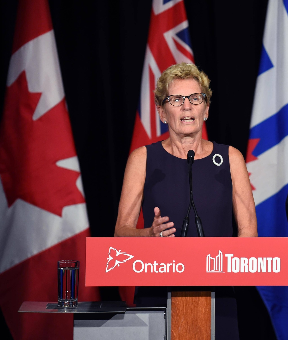 ontario to resume contract talks with high school