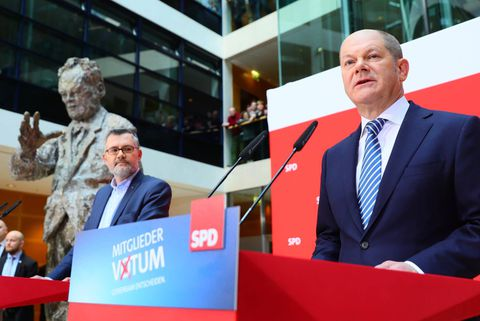 Majority SPD members seen backing re-run of German coalition