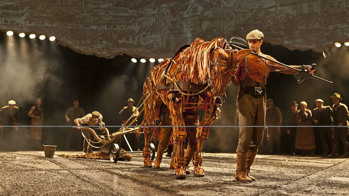 War Horse, Princess of Wales Theatre Toronto, begins Feb.10 2012 for open-ended run.