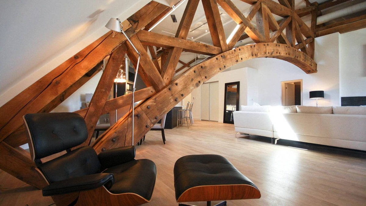 Victoria Lofts interior: Penthouse family room and truss.