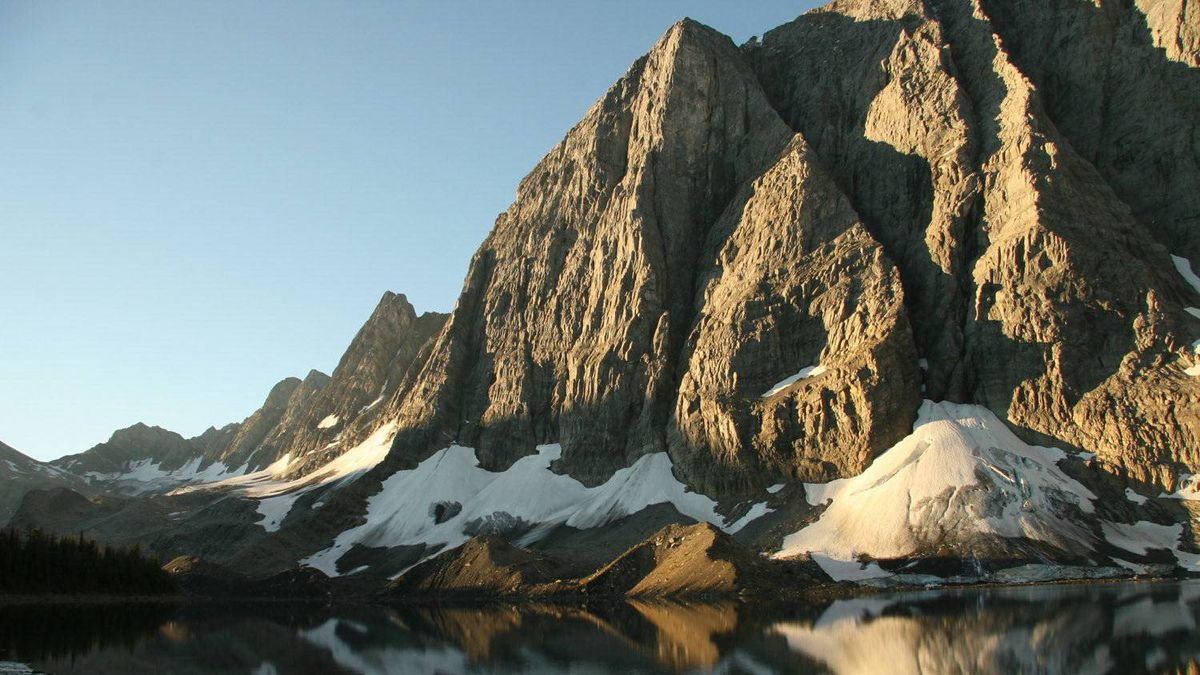 Dawn at Floe Lake on the Rockwall Trail, Kootenay National Park.