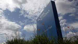 A sign is pictured outside Nortel's Carling Campus in Ottawa August 10, 2009. Nortel Networks said on Monday its chief executive, Mike Zafirovski, will step down immediately and its board will shrink from nine directors to three as the bankrupt telecom equipment maker works to sell off all of its major assets. REUTERS/Blair Gable (CANADA BUSINESS SCI TECH)