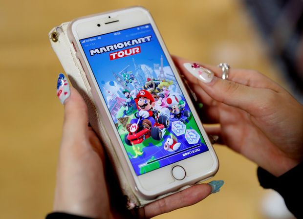 Mobile Mario Kart game overloads Nintendo servers on launch day
