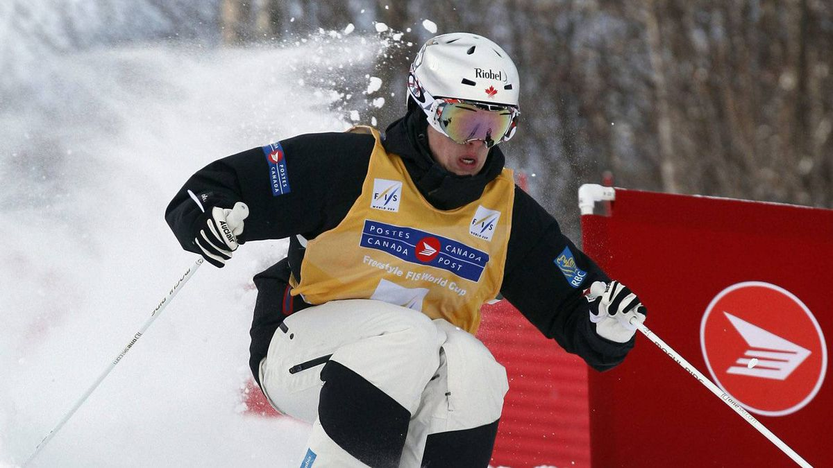 Mikael Kingsbury of Deux-Montagne Que. skis the moguls run at the World Cup freestyle Grand-Prix Saturday, January 14, 2012 at Mont-Gabriel in Sainte-Adele Que. Kingsbury won the event.