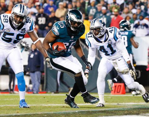 Sanchez tosses two TD passes, defence dominates as Eagles rout Panthers 45-21