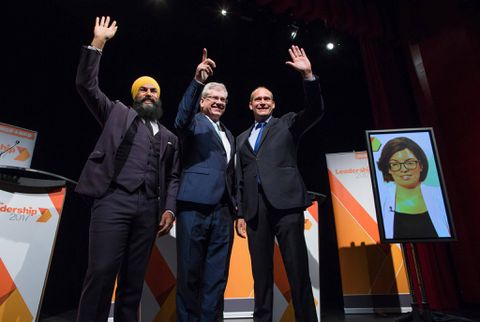 MPP Jagmeet Singh handles racist Woman with 'love and courage'