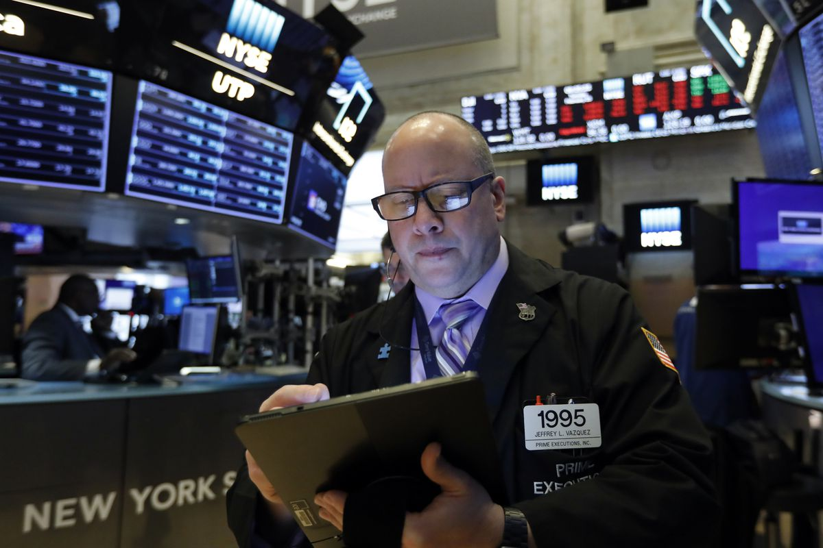 At midday: TSX continues to drop as coronavirus fears persist