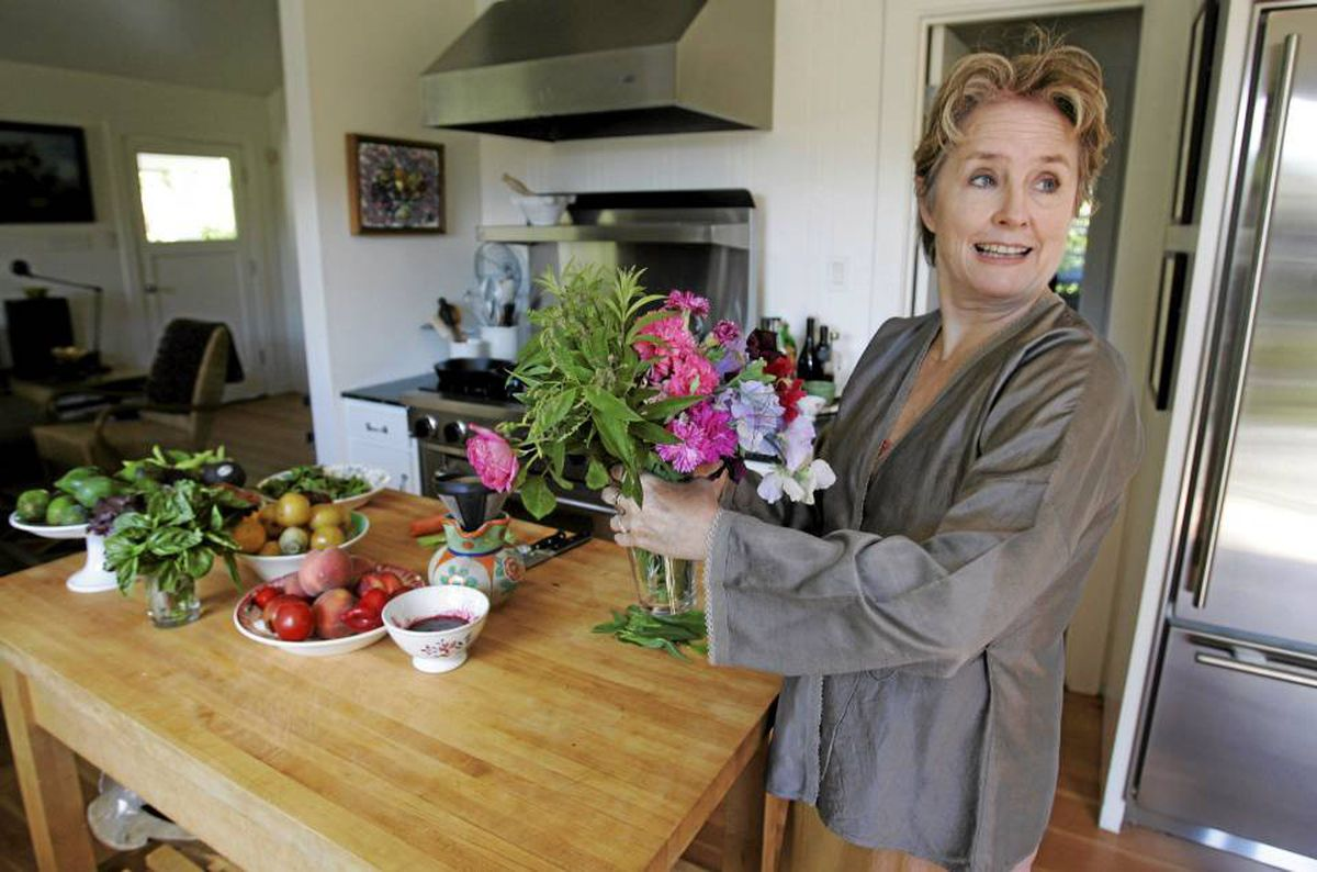 alice waters in the green kitchen waters seven essentials of a green kitchen the 9011