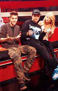 """REALITY Ridiculousness MTV, 10 p.m. ET/PT Welcome back to """"greatest viral-video show in the history of humankind."""" Or at least that how this show is described by its host, professional skateboarder Rob Dyrdek. The series still ranks among MTV's highest-rated programs and maintains a fervid online fan following, which sort of makes sense since its entire content emanates from the Internet. Similar to Tosh.0, the format features the hyperbolic Dyrdek introducing videos of people performing incredibly dangerous stunts and failing miserably. The difference here is that each episode features two celebrity guest judges who determine which video is the coolest; tonight's second-season opener has boxer Floyd Mayweather and the pride of Stratford, Ont., himself: Justin Bieber. The kid has a good agent."""