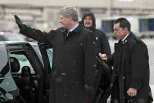 Prime Minister Stephen Harper departs for a seven-day trip to China and South Korea from the Ottawa airport on Tuesday, December 1, 2009.