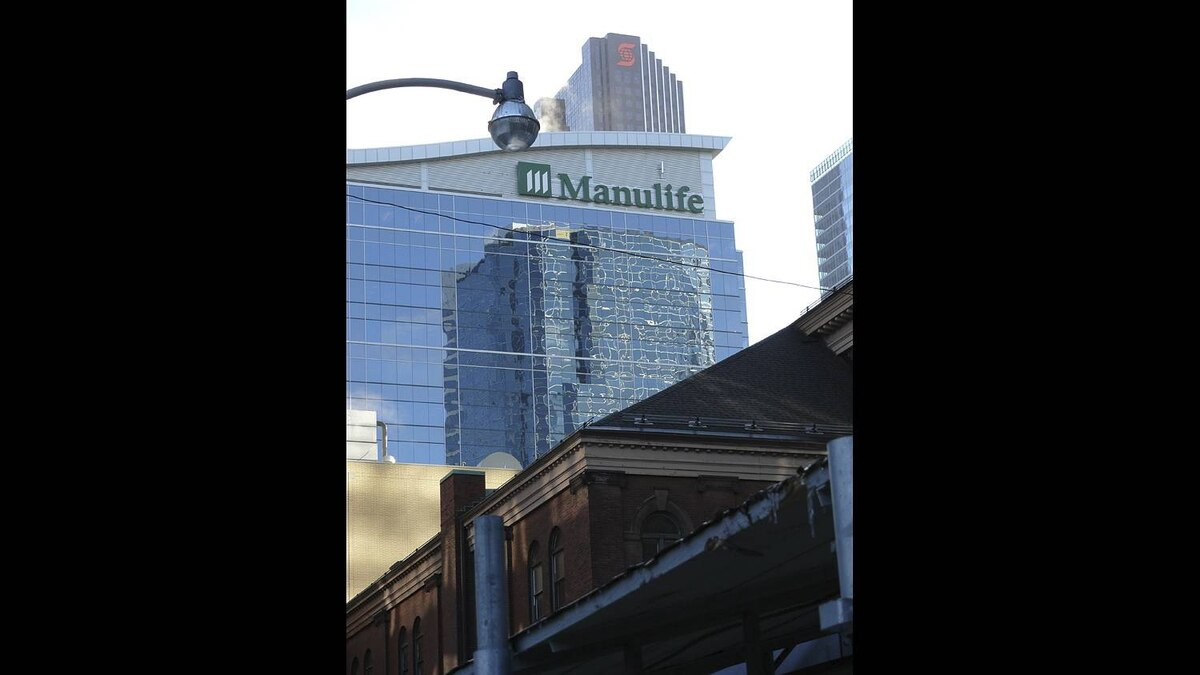 Jim Shaw photo: Massey hall, The Manulife building and The Scotia Tower Early in the morning . A mix of architecture by time and design.