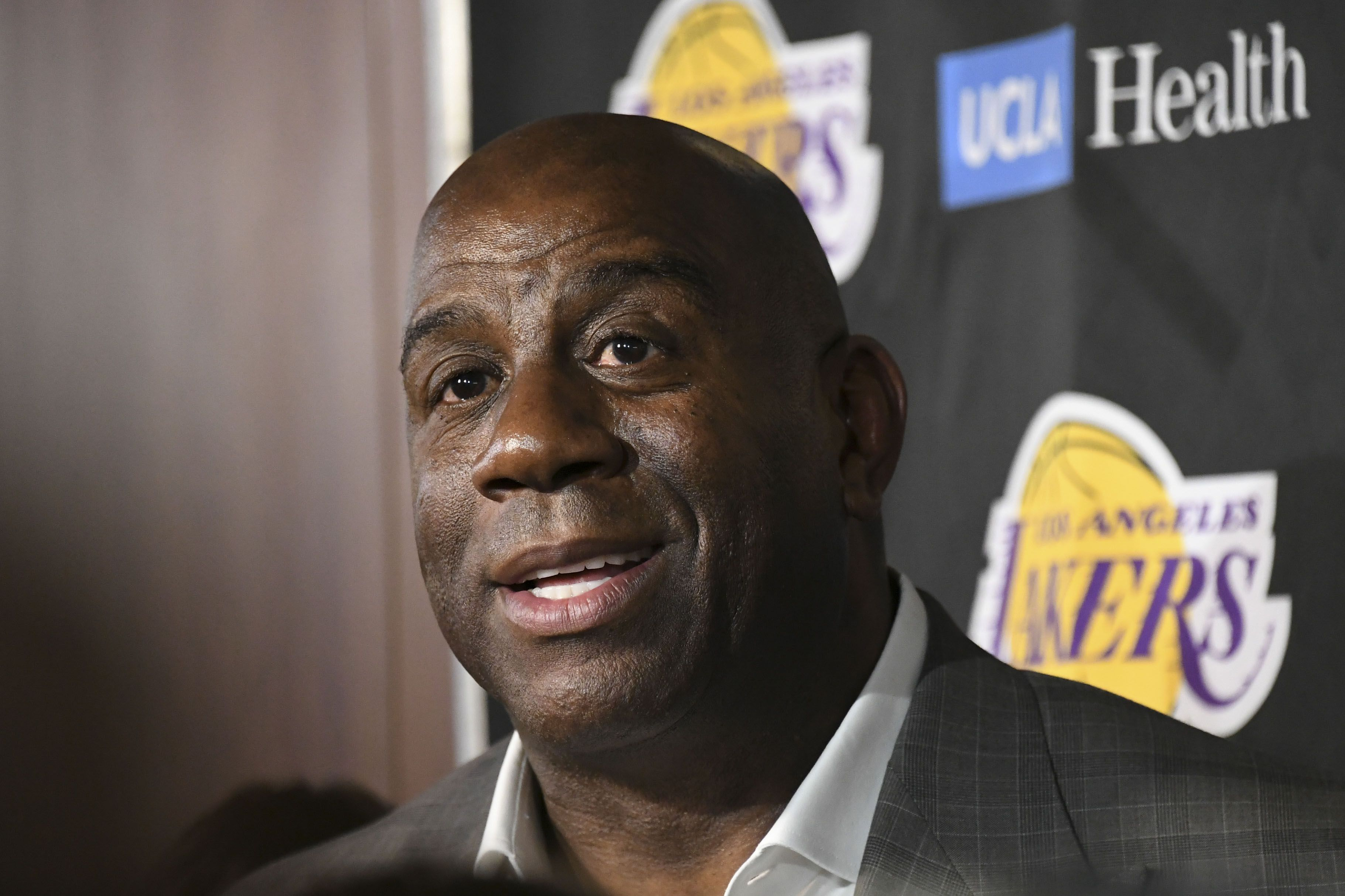 magic johnson quit the lakers after he was copied into - HD3642×2428
