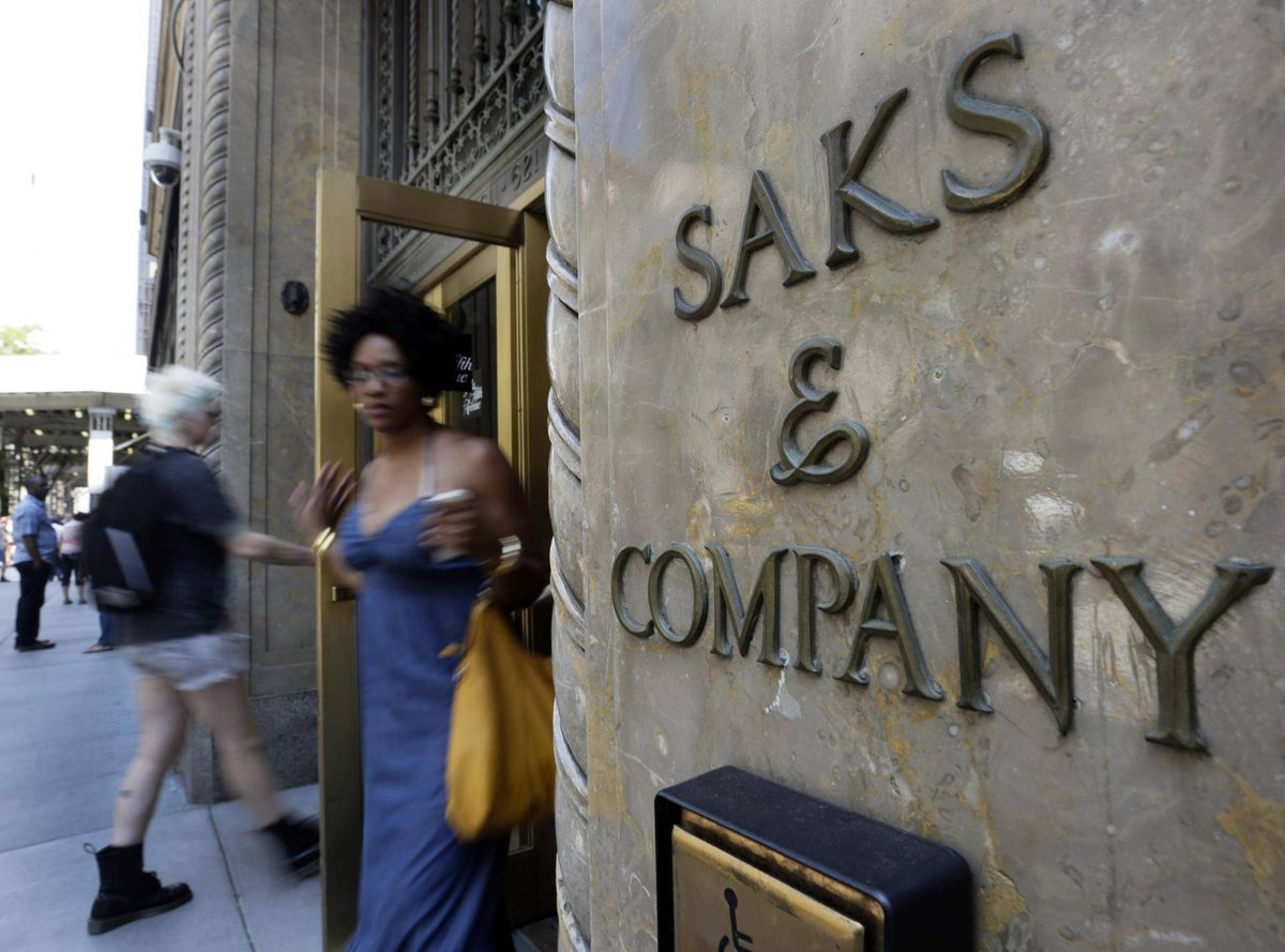 Saks Fifth Avenue OFF 5TH outlet stores in Ontario