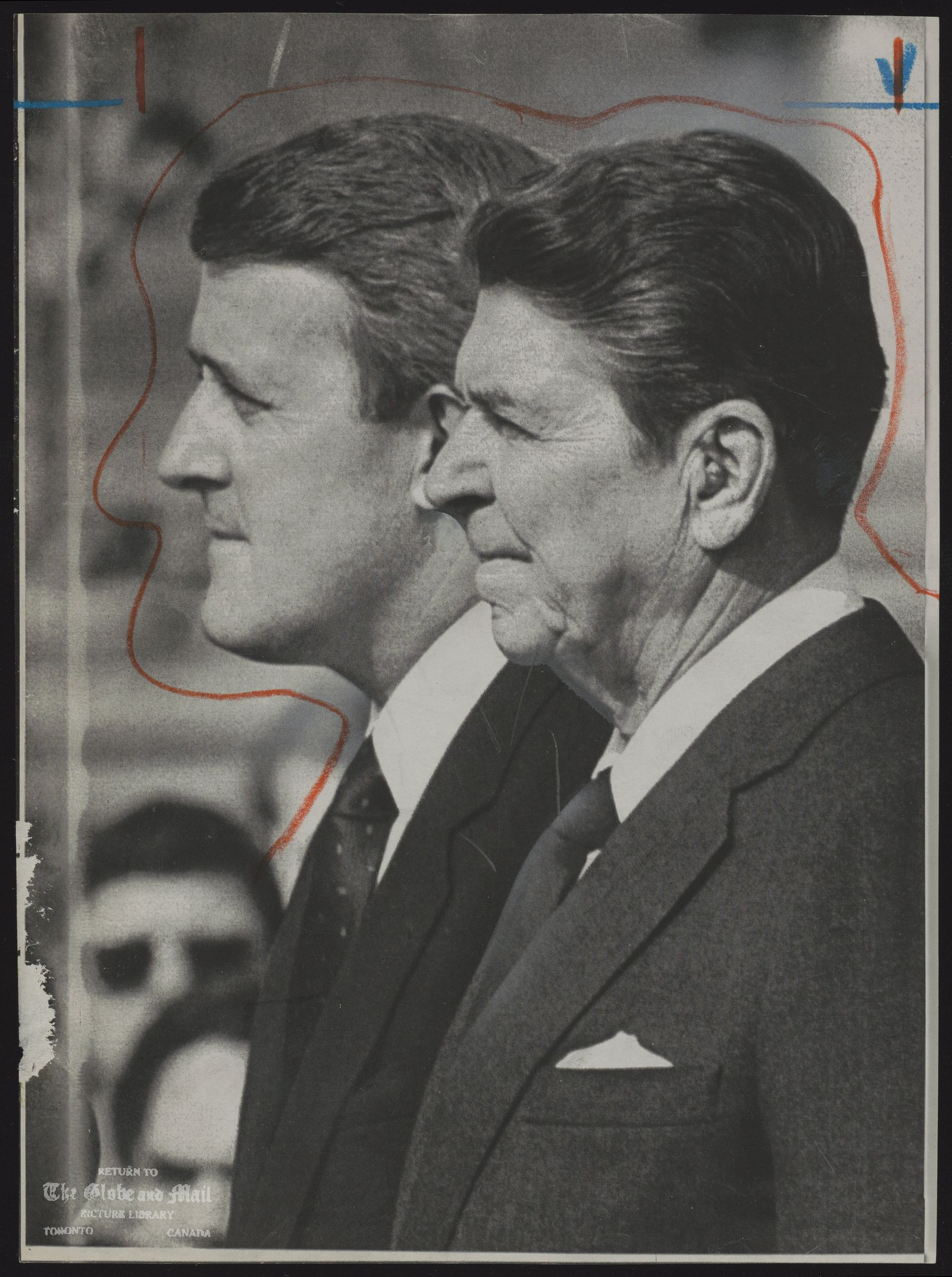 The notes transcribed from the back of this photograph are as follows: Brian MULRONEY Canada. Politician [with President Ronald Regan]