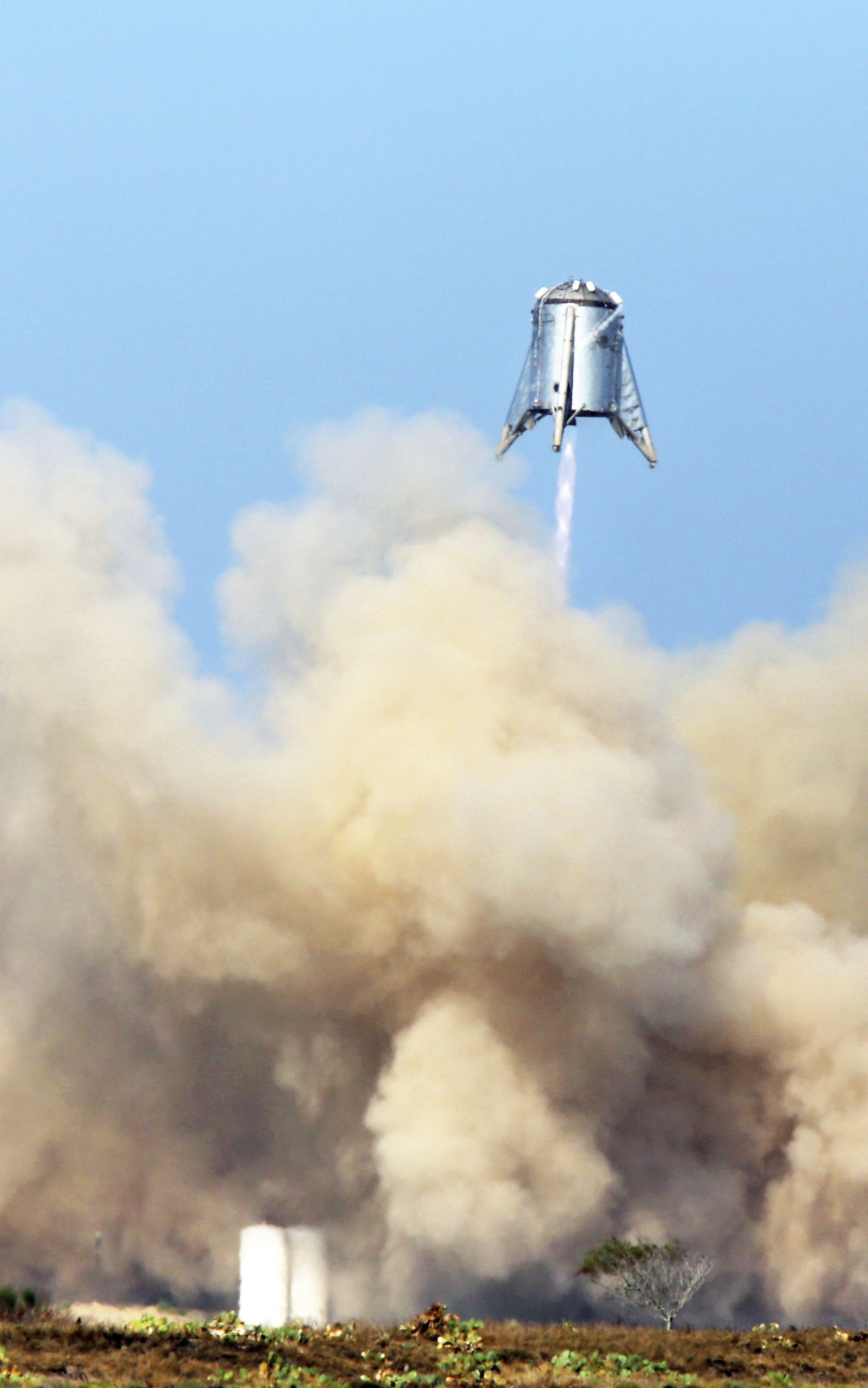 SpaceX's Mars rocket prototype rattles Texas residents