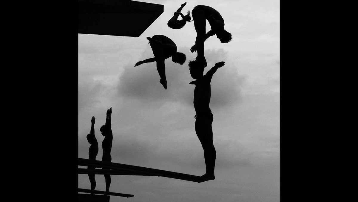 """Adam Pretty of Australia, a Getty Images photographer, has won the second prize Sports Stories with the """"World Swimming Championships"""" series. Picture shows divers practicing during the 14th FINA World Championships at the Oriental Sports Center in Shanghai, China, July 17, 2011."""