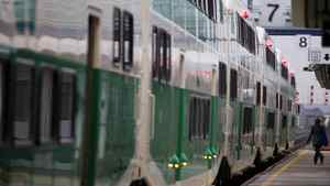 Toronto commuters faced 60-minute delays on the GO Train due to signal problems on April 26, 2012.