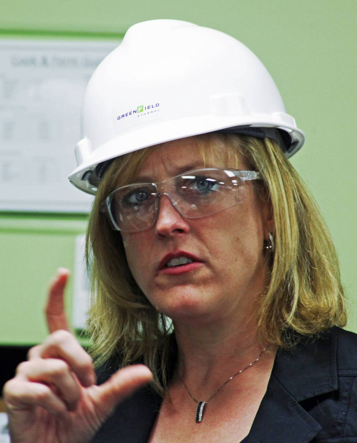 Natural Resources Minister Lisa Raitt tours the Greenfield Ethanol plant in Johnstown, near Prescott, Ont., on Sept. 9, 2009.