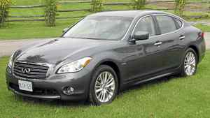 2012 Infiniti M35h__Credit: Bob English for The Globe and Mail