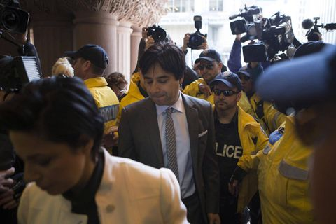 Jian Ghomeshi apologizes for abusive behaviour, avoids second trial