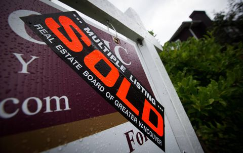 Vancouver home sales hit four-year low in wake of foreign-buyers tax
