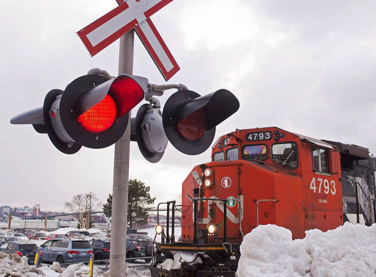 CN to buy 200 locomotives from GE as freight volumes surge