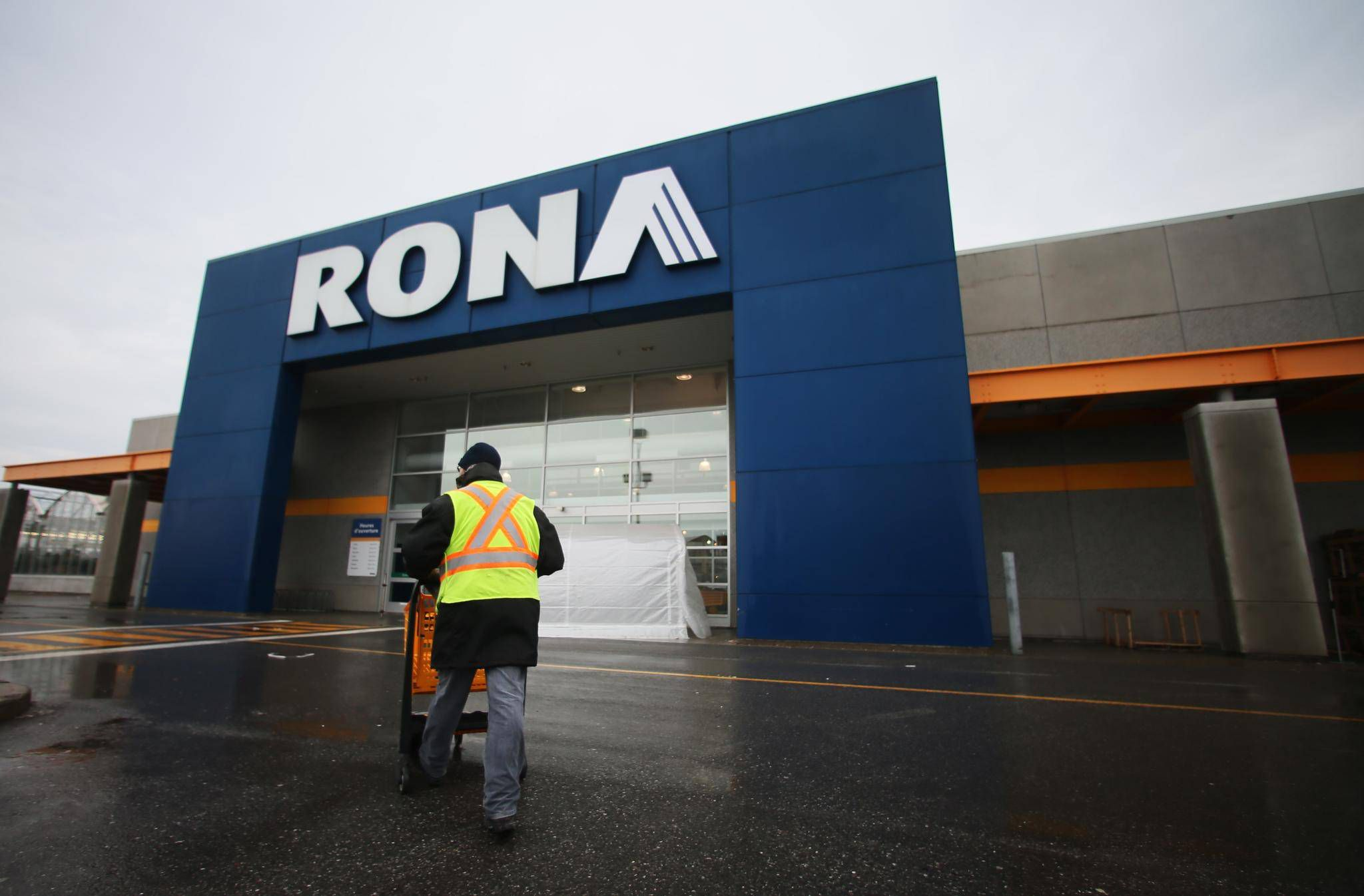 Ottawa Signs Off On Lowes 32 Billion Rona Takeover The Globe