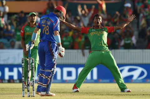 Bangladesh takes early wickets and easily beats Afghanistan at Cricket World Cup