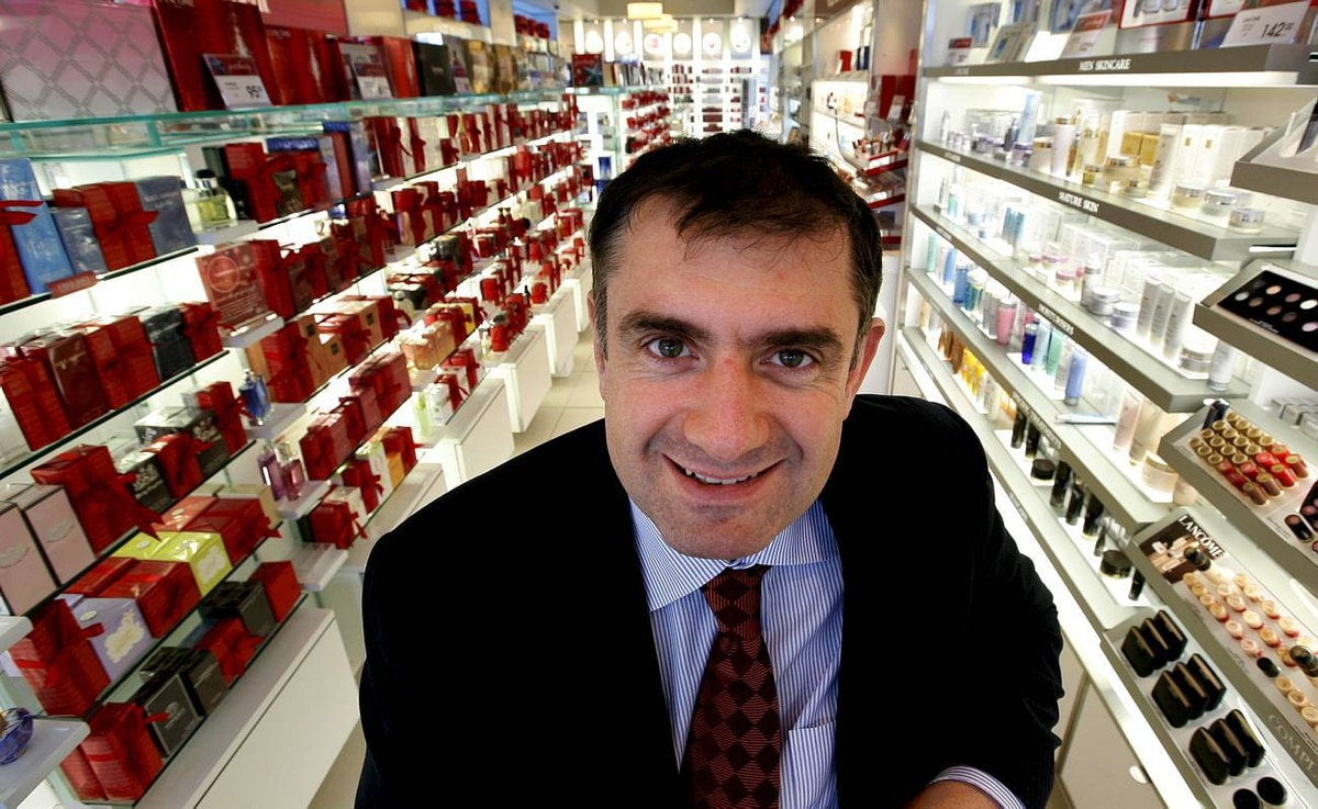 Nov. 26/08 - Shoppers Drug Mart Chief Executive Officer Jurgen Schreiber poses for a photo in the Beuty Boutique of a Shoppers Drug Mart location at 700 Burnamthorpe Road East in Mississauga, Ontario, Canada. Photo By Deborah Baic The Globe and Mail