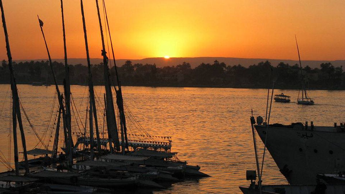 From Duncan Truscott, Kelowna , B.C Sunset over the Nile and the Valley of the Kings, Luxor, Egypt.