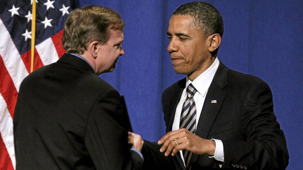 President Barack Obama is introduced by campaign manager Jim Messina before he speaks at a campaign fundraising event at The Town Hall in New York, Wednesday, April 27, 2011.