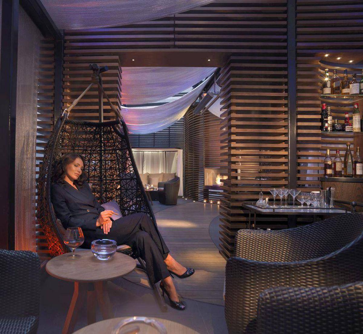 May Fair Hotel London Cigar Room