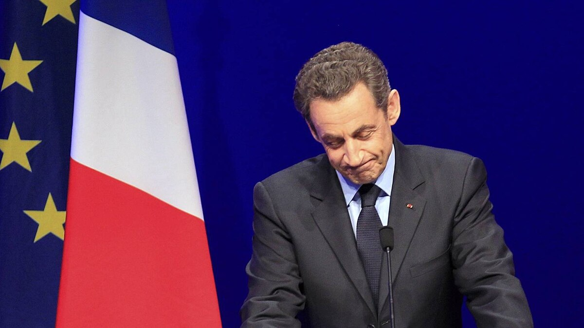 France's President and UMP party candidate for the 2012 French presidential elections Nicolas Sarkozy speaks to supporters at La Mutualite meeting hall in Paris after early results in the first round vote of the 2012 French presidential election April 22, 2012.