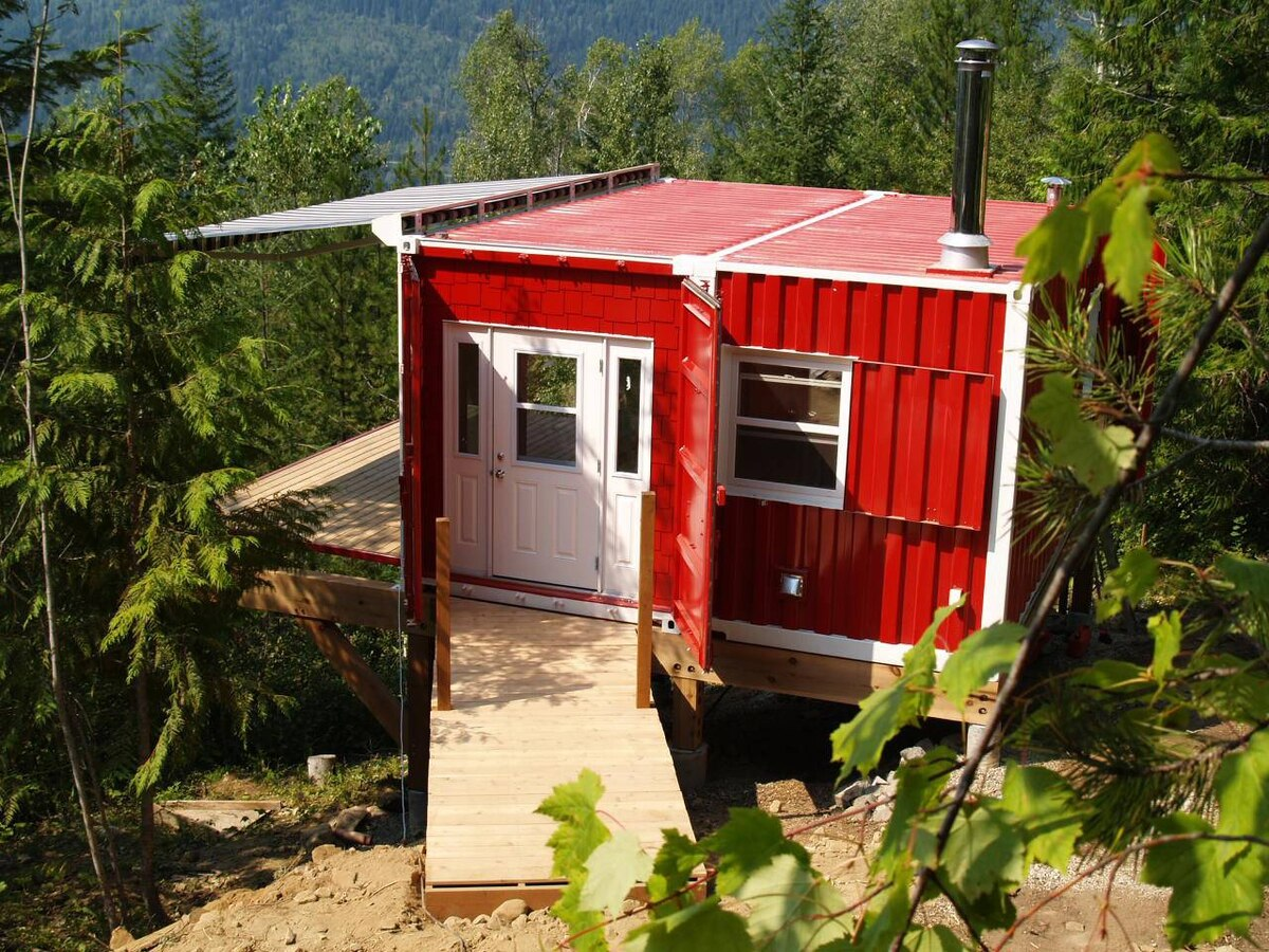 Expandable shipping container homes offer adaptable solutions the globe and mail - Container homes alberta ...