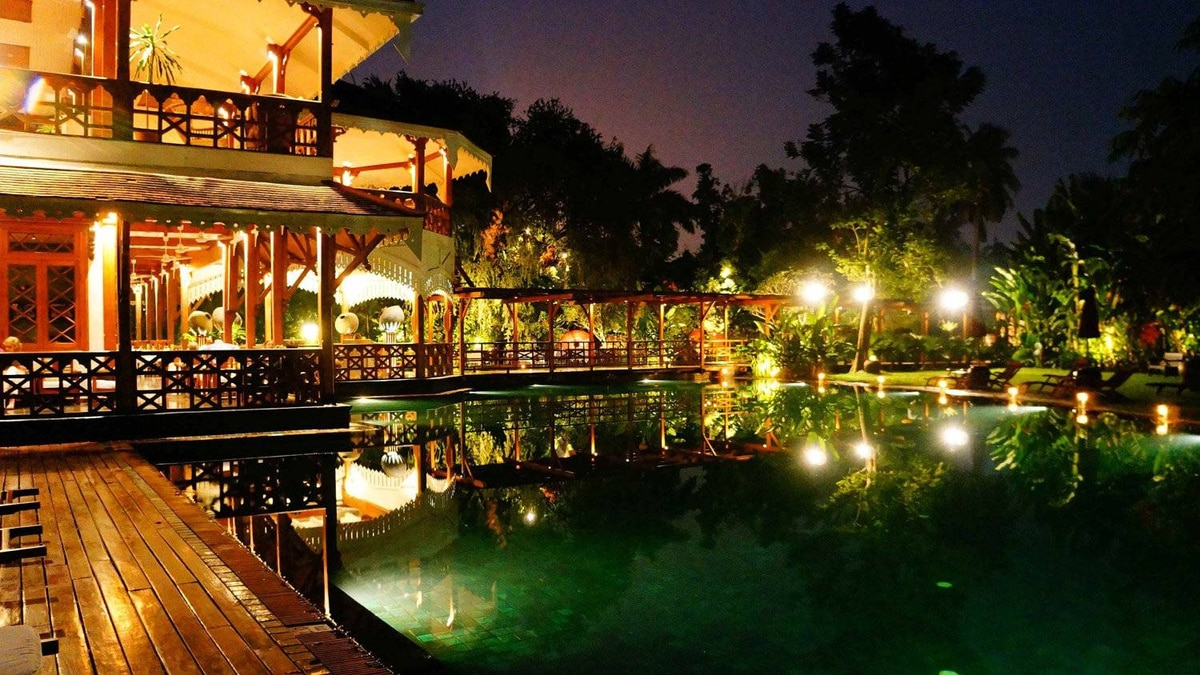 The Governor's Residence hotel in Yangon offers a luxurious pool and beautiful garden.