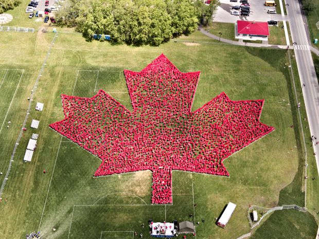 Trenton, Ont., sets Guinness World Record for largest human maple leaf