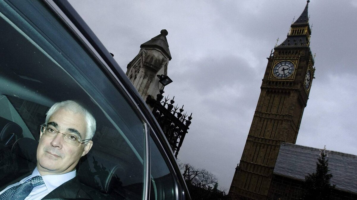 Britain's Chancellor of the Exchequer, Alistair Darling, leaves Parliament after giving his pre-budget report