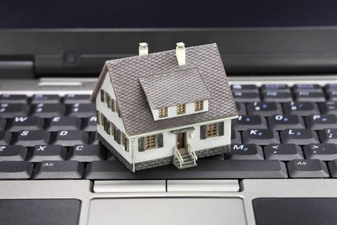 Investors save online real estate website Zoocasa