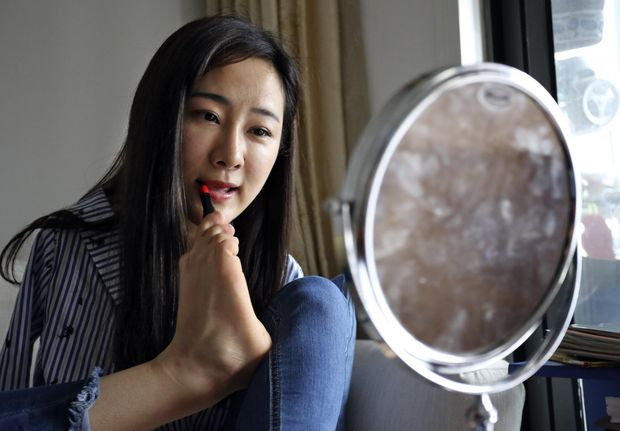 a chinese woman with no arms is turning her online fame into social change the globe and mail a chinese woman with no arms is turning