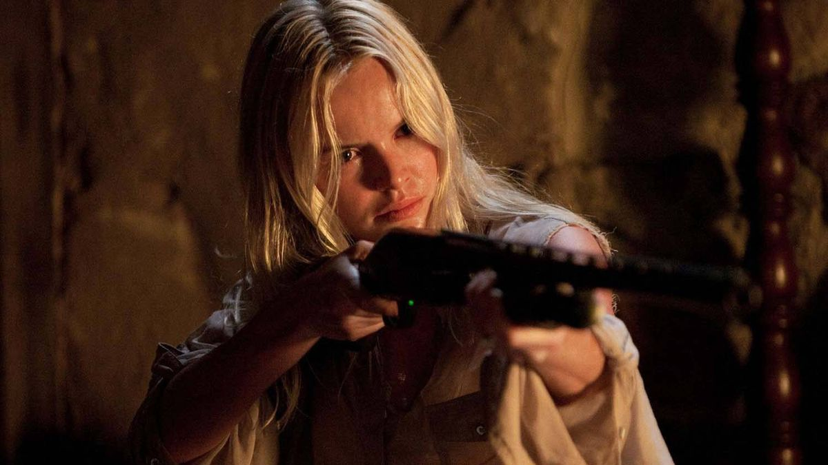 """Kate Bosworth in """"Straw Dogs"""""""