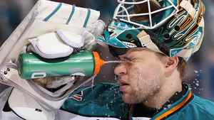 Goaltender Antti Niemi #31 of the San Jose Sharks sprays himself with water before the start of the second period of the NHL game against the Phoenix Coyotes at Jobing.com Arena on March 26, 2011 in Glendale, Arizona. (Photo by Christian Petersen/Getty Images)